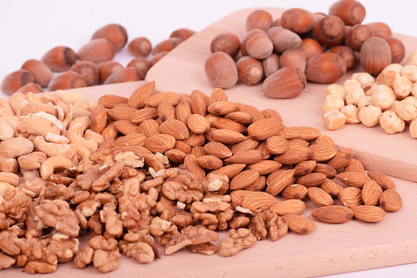best breakfast for energy nuts and seeds