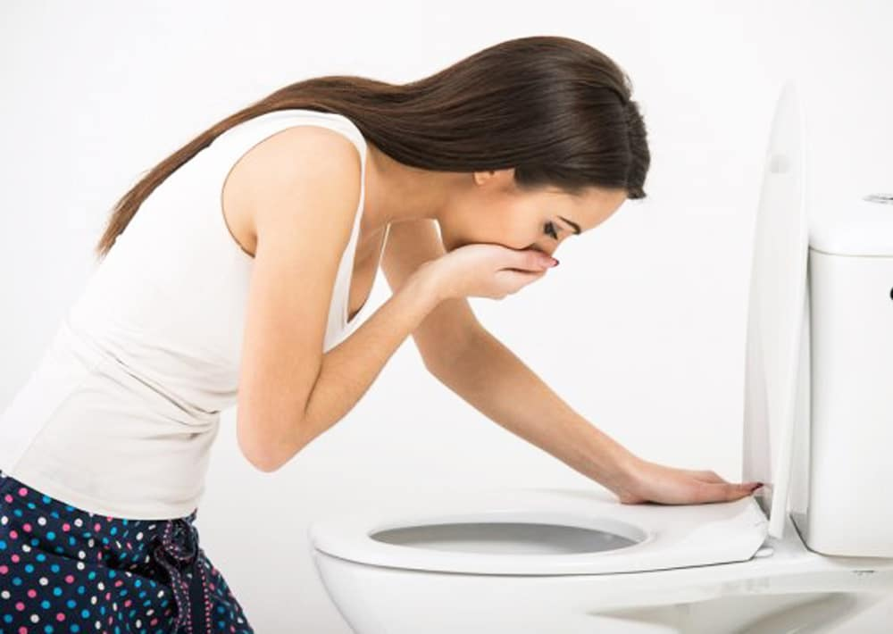 how to stop vomiting home remedies
